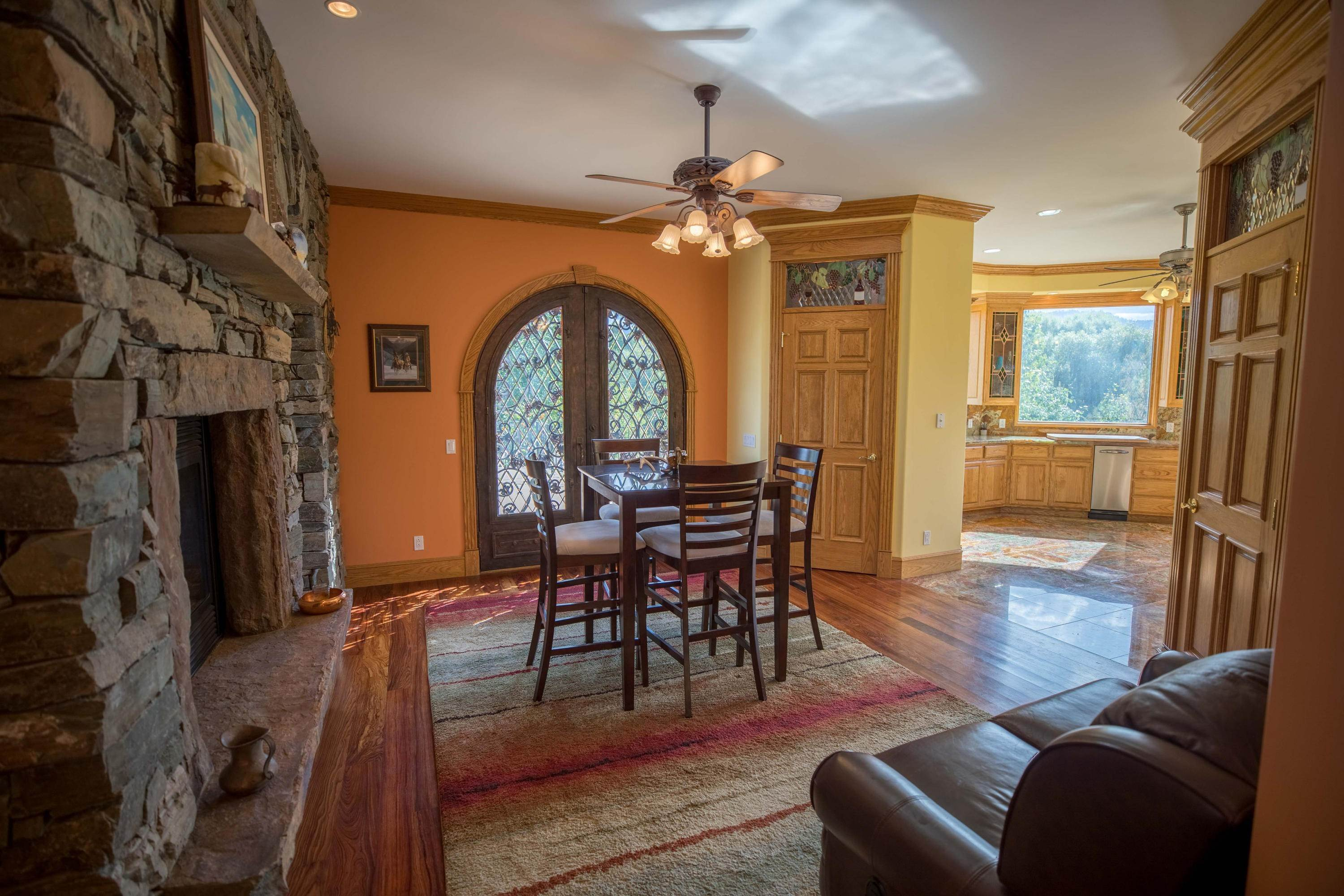 11. Single Family Homes for Sale at 859 Hamilton Heights Road Corvallis, Montana 59828 United States
