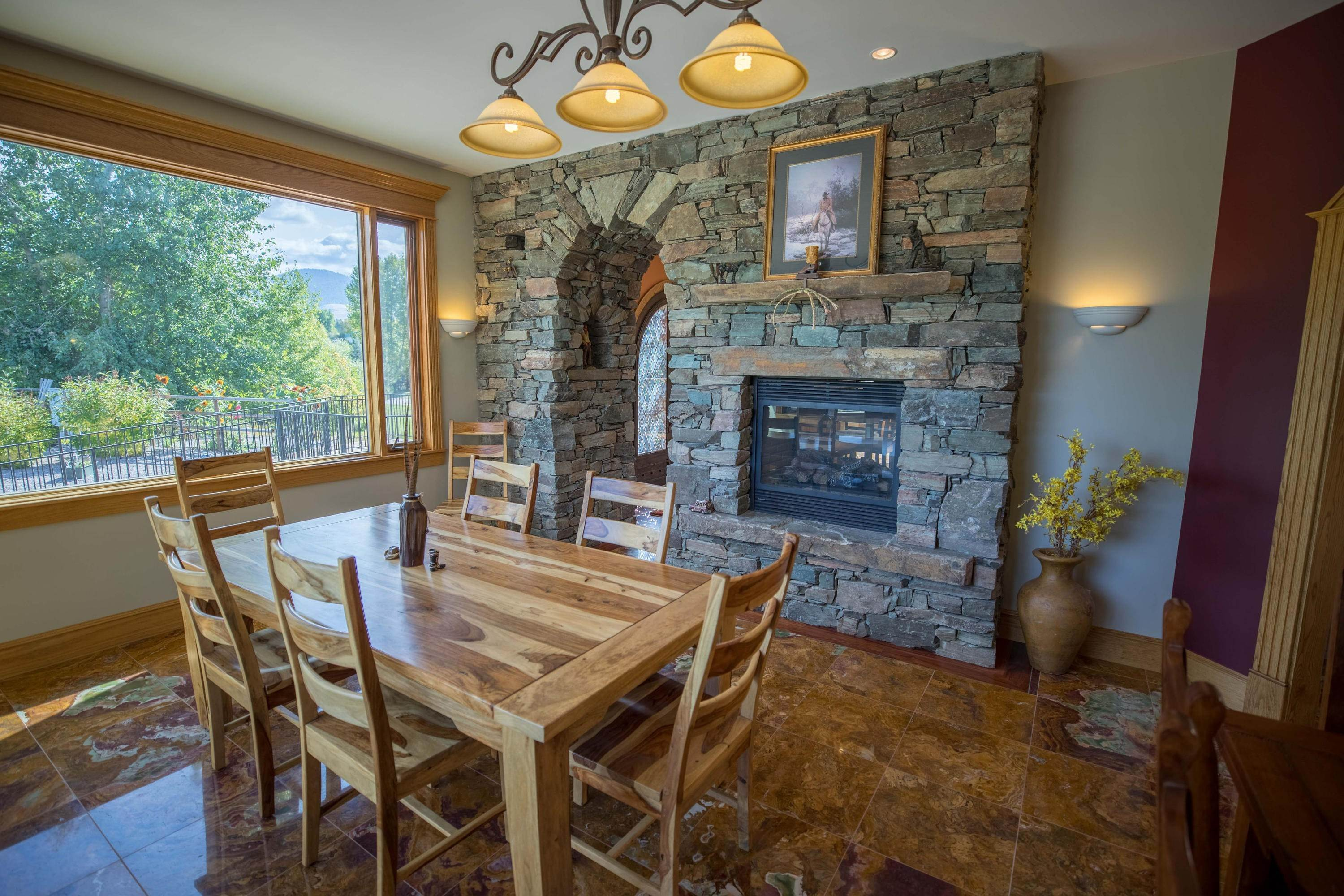 13. Single Family Homes for Sale at 859 Hamilton Heights Road Corvallis, Montana 59828 United States