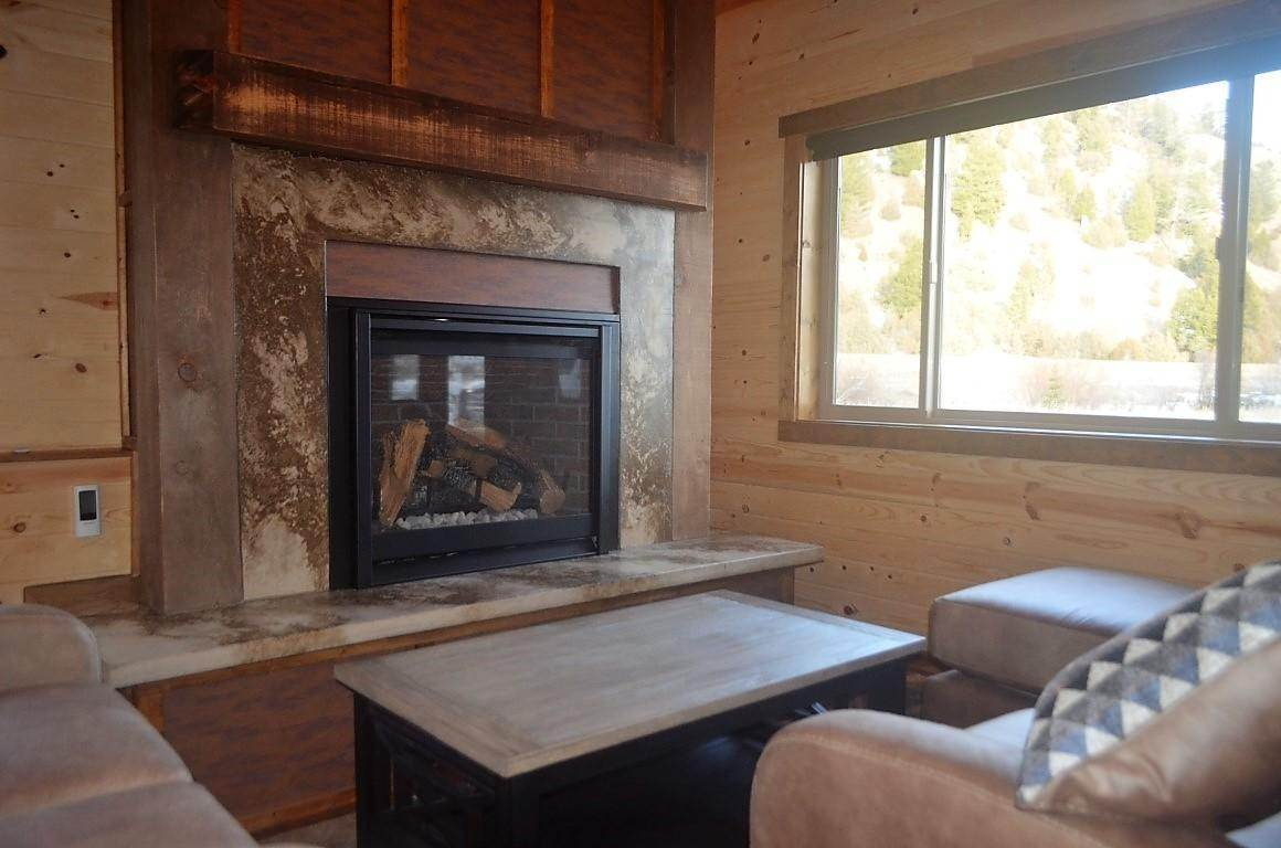 6. Single Family Homes for Sale at 40 Sandin Ranch Lane Philipsburg, Montana 59858 United States