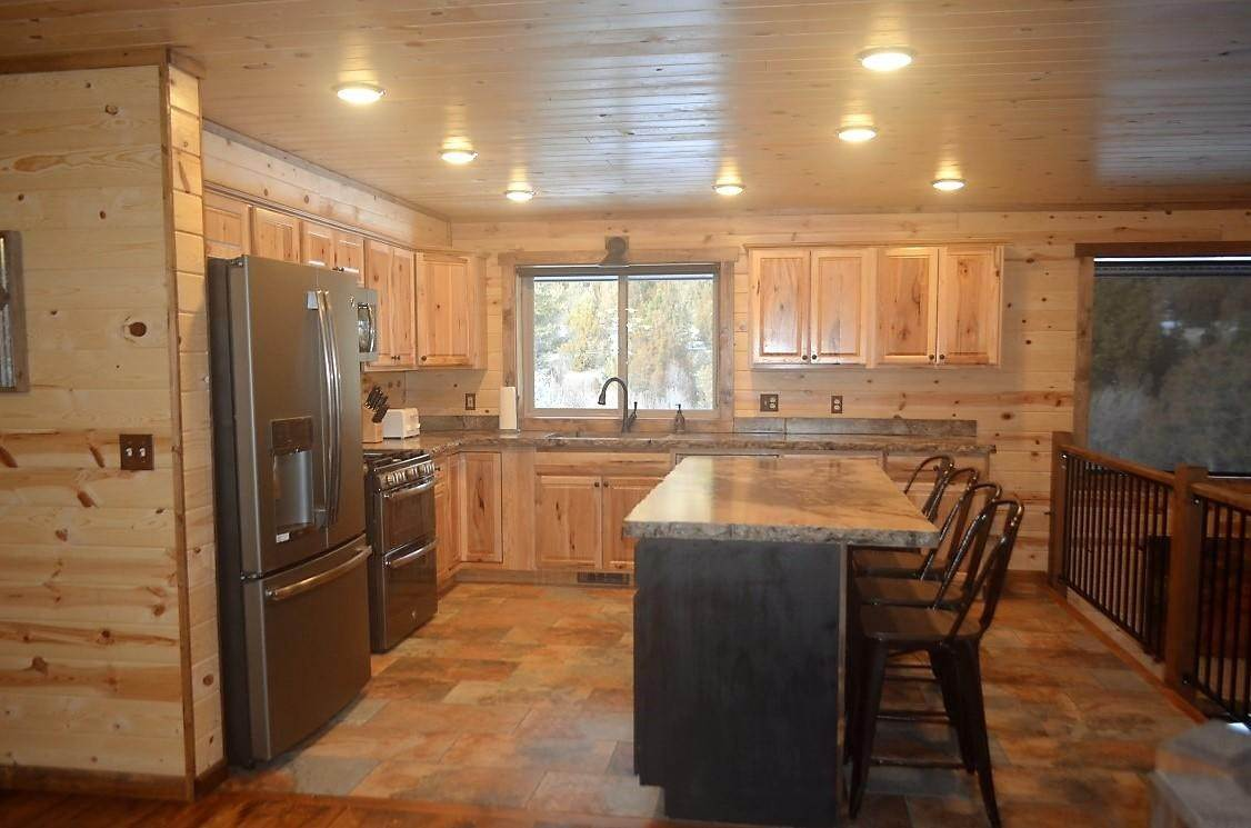 11. Single Family Homes for Sale at 40 Sandin Ranch Lane Philipsburg, Montana 59858 United States