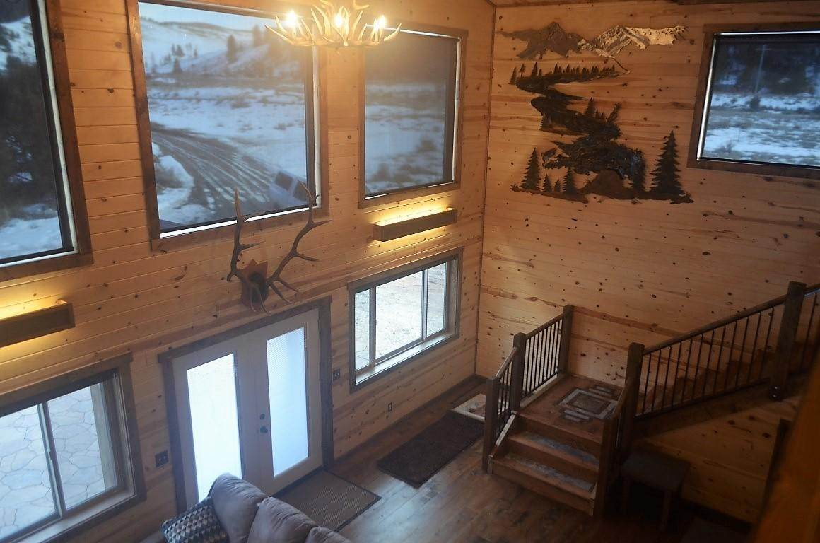 15. Single Family Homes for Sale at 40 Sandin Ranch Lane Philipsburg, Montana 59858 United States