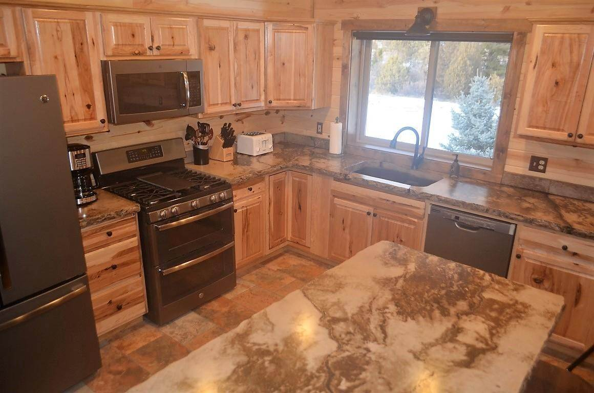 16. Single Family Homes for Sale at 40 Sandin Ranch Lane Philipsburg, Montana 59858 United States