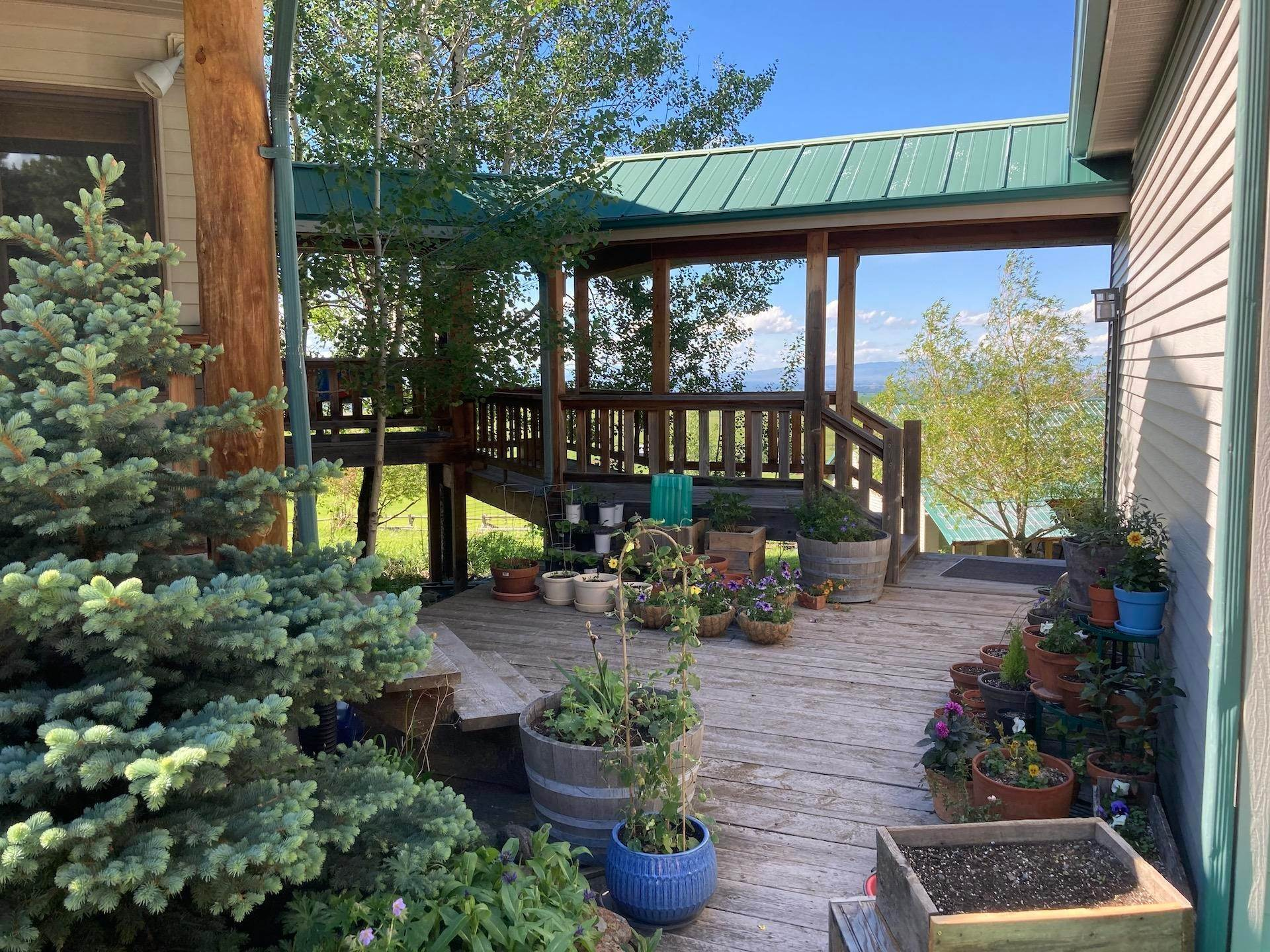 7. Single Family Homes for Sale at 215 Martinez Spring Road Bozeman, Montana 59718 United States