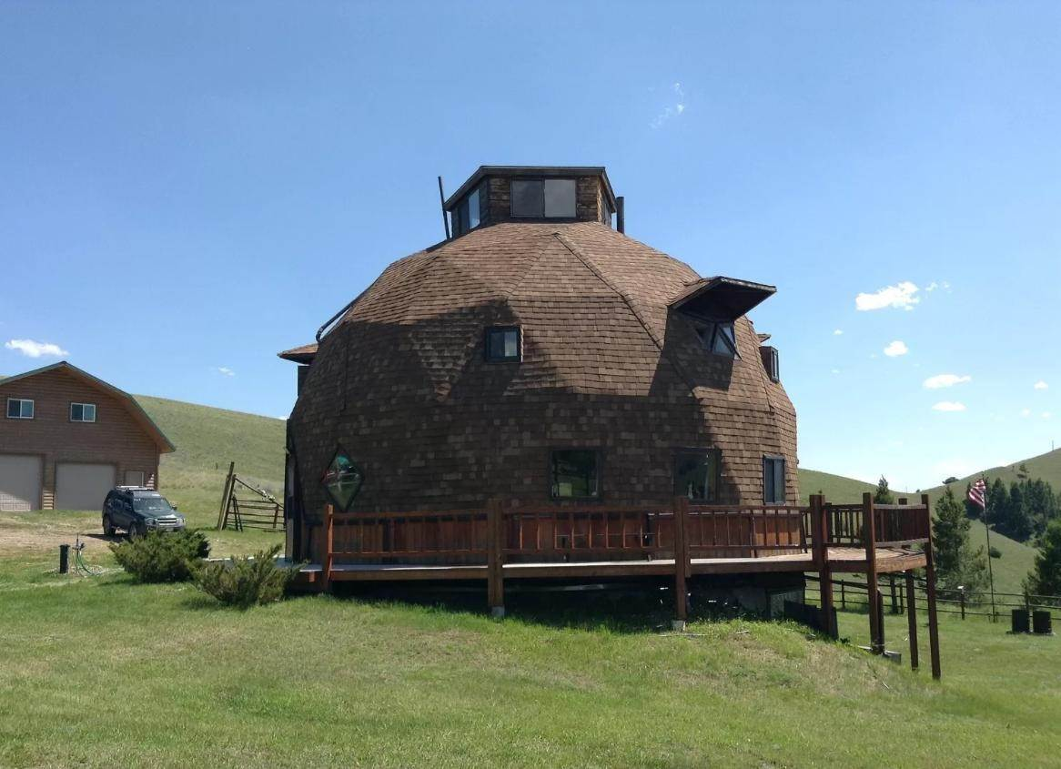 3. Single Family Homes for Sale at 90 Upper Willow Creek Road Philipsburg, Montana 59858 United States