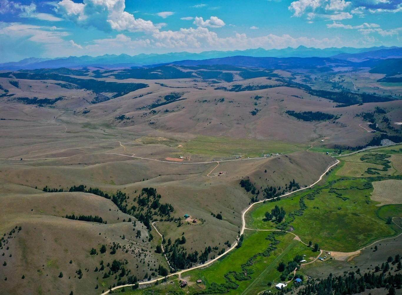 16. Single Family Homes for Sale at 90 Upper Willow Creek Road Philipsburg, Montana 59858 United States