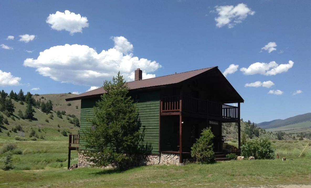 19. Single Family Homes for Sale at 90 Upper Willow Creek Road Philipsburg, Montana 59858 United States