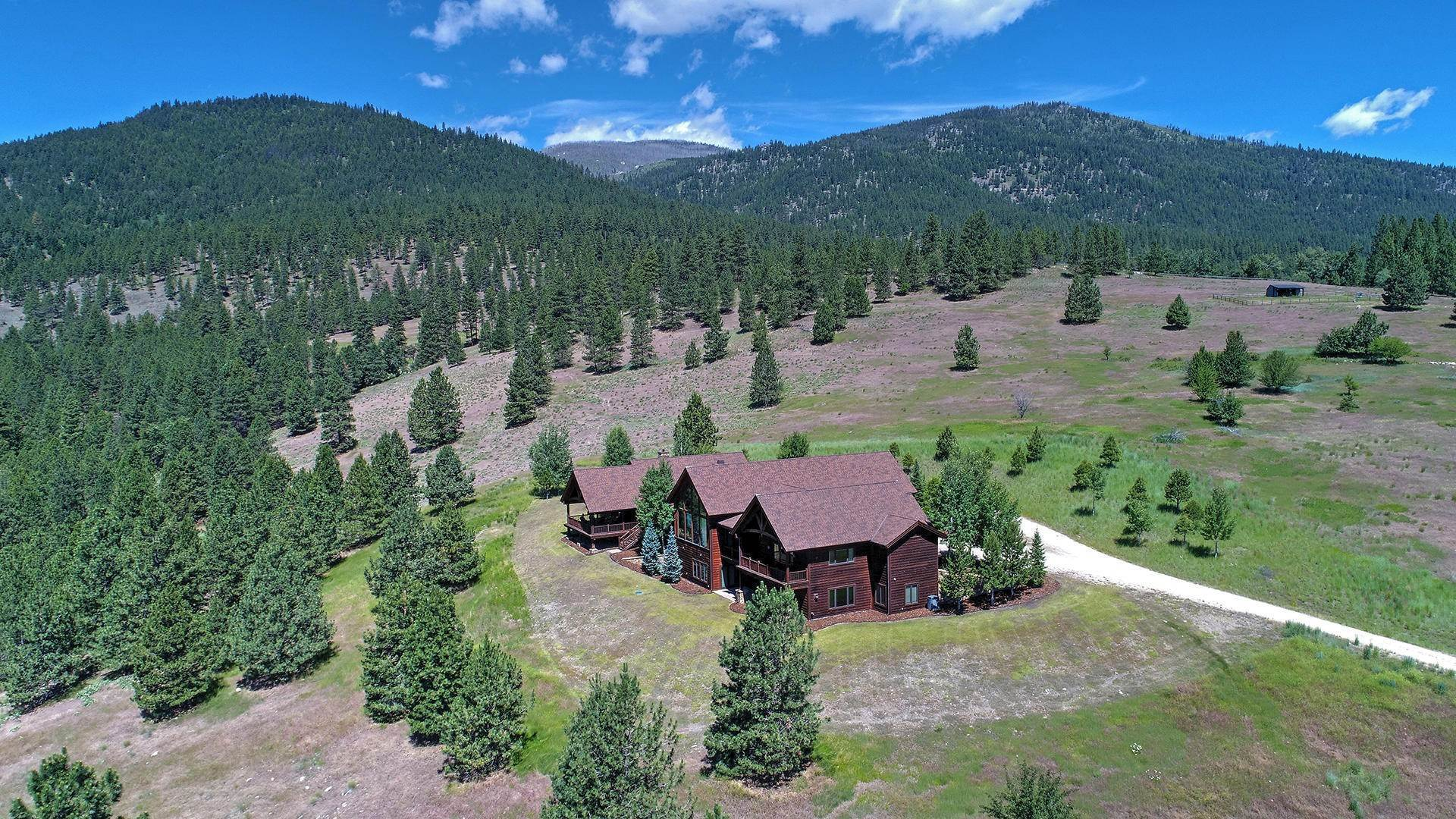 7. Single Family Homes for Sale at 848 Sweathouse Creek Road Victor, Montana 59875 United States