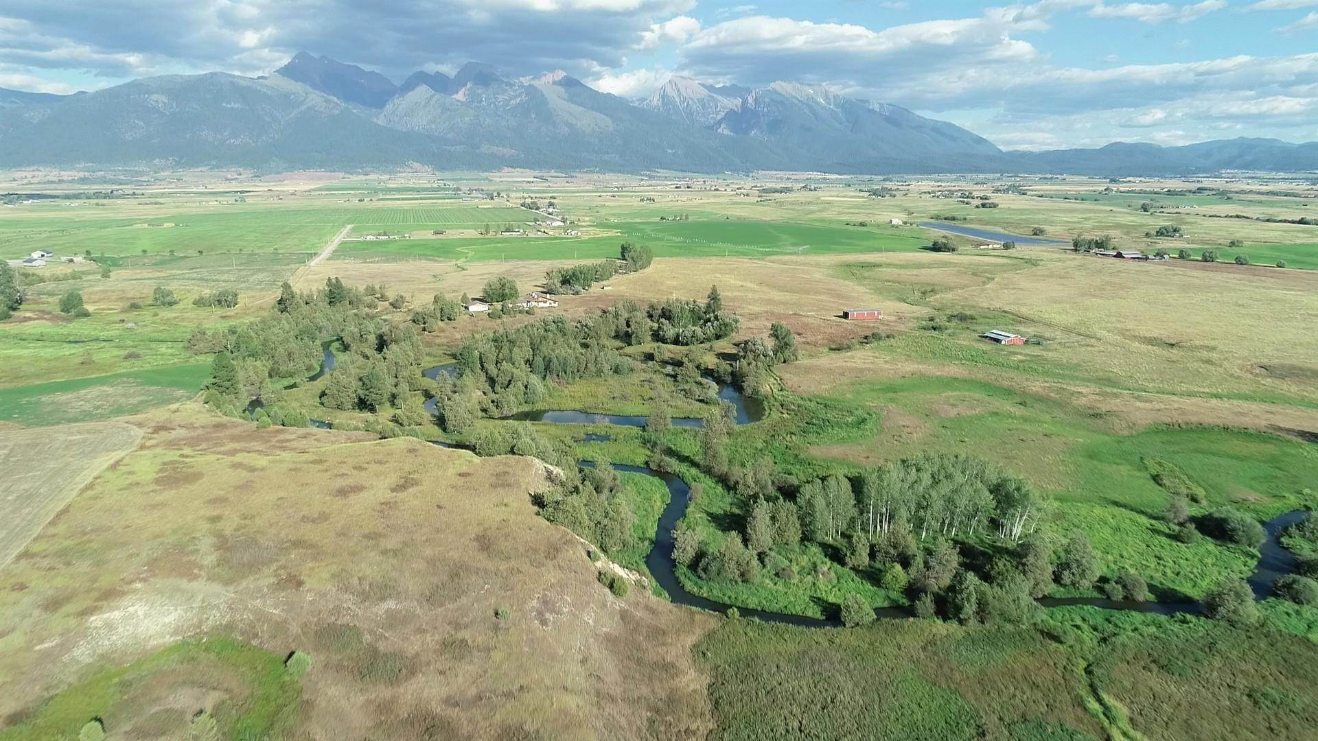 Single Family Homes for Sale at 36926 Hawkins Road St. Ignatius, Montana 59865 United States