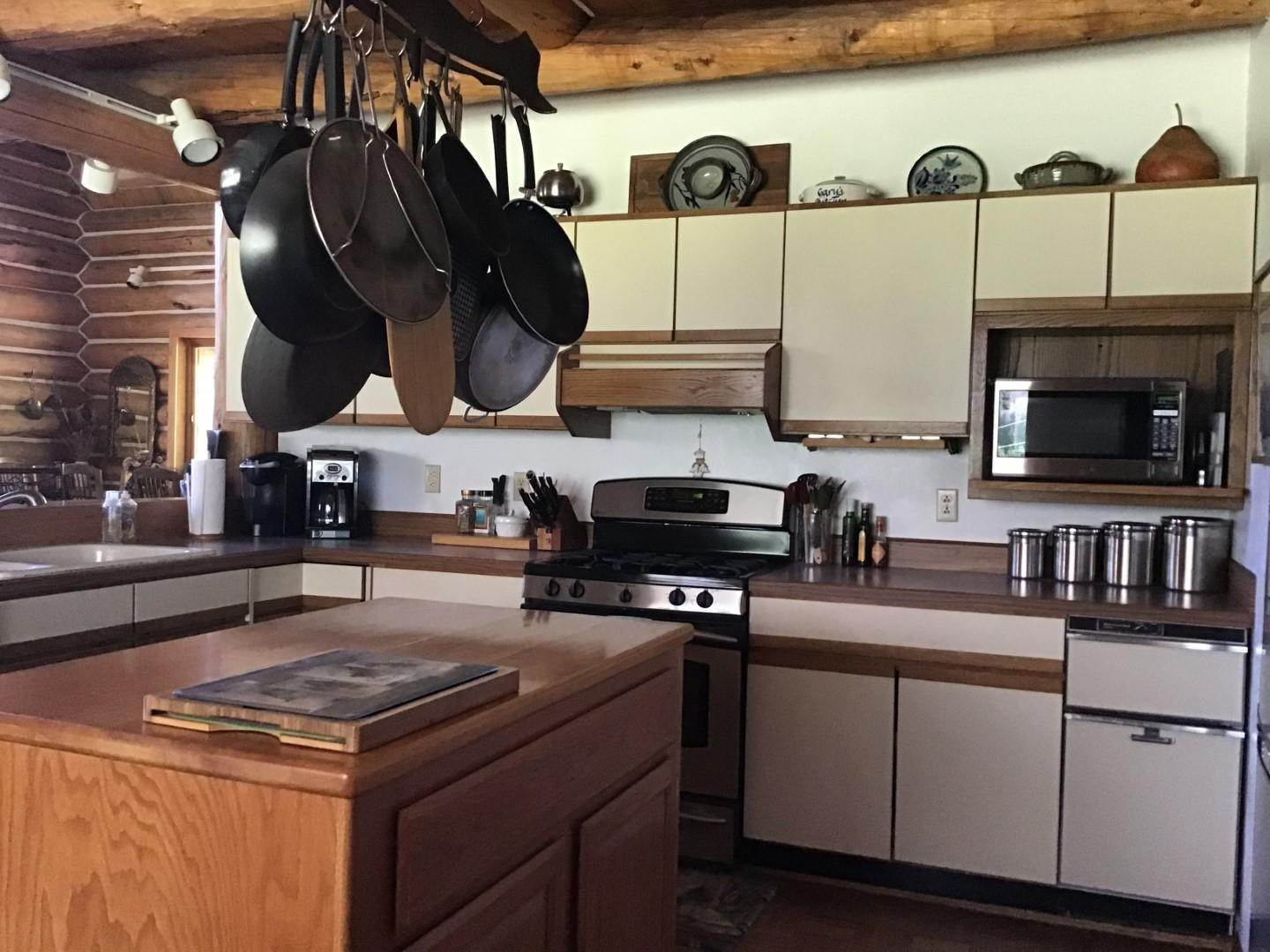6. Single Family Homes for Sale at 1622 Upper Rock Creek Road Philipsburg, Montana 59858 United States