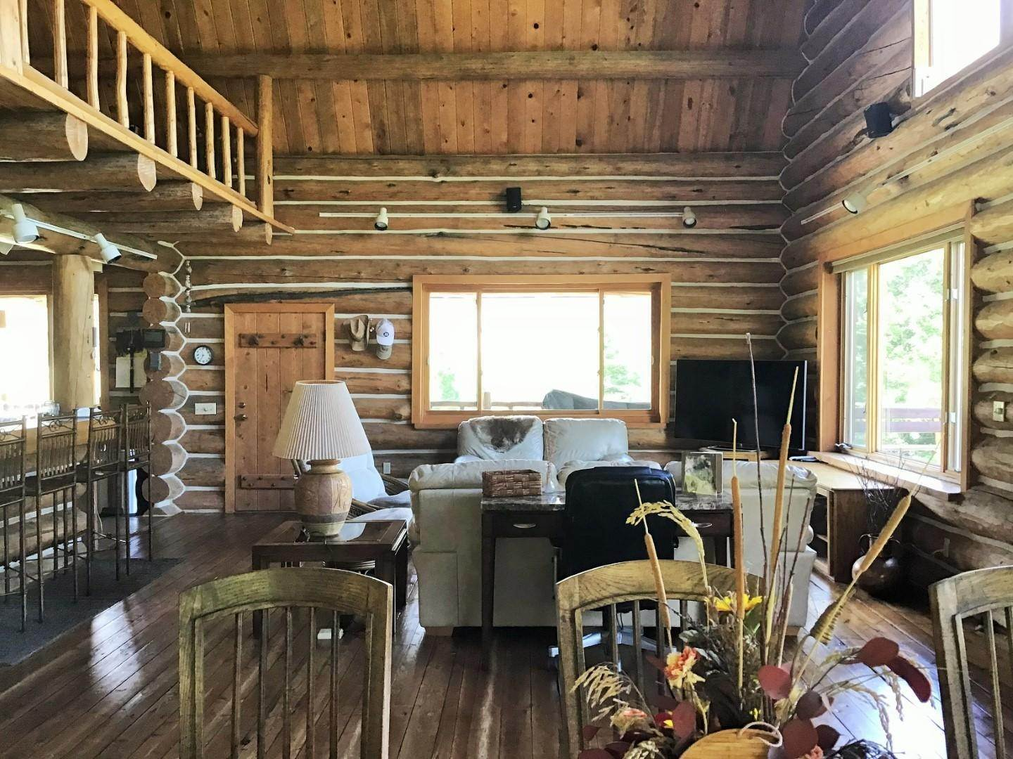 8. Single Family Homes for Sale at 1622 Upper Rock Creek Road Philipsburg, Montana 59858 United States