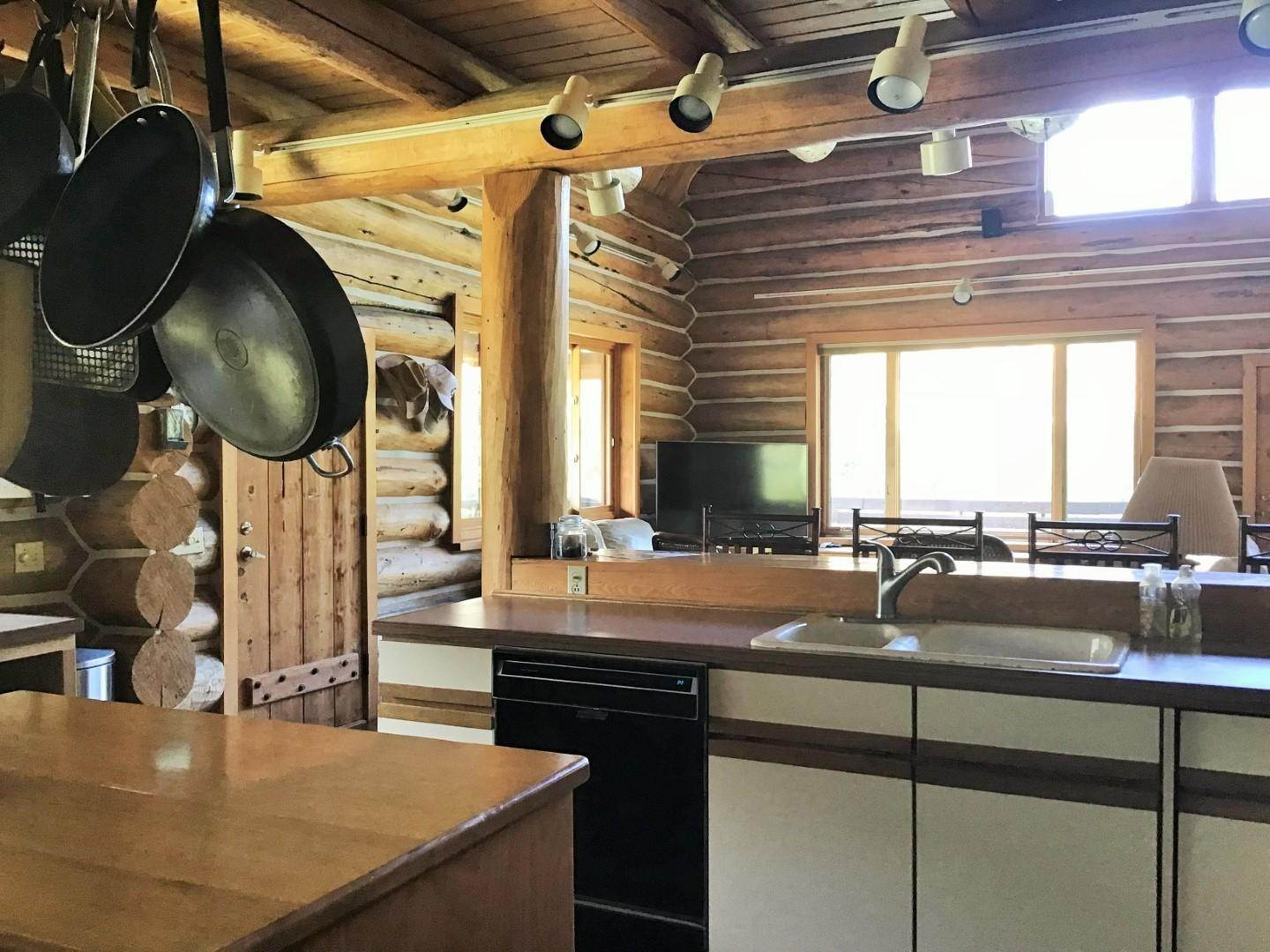 10. Single Family Homes for Sale at 1622 Upper Rock Creek Road Philipsburg, Montana 59858 United States