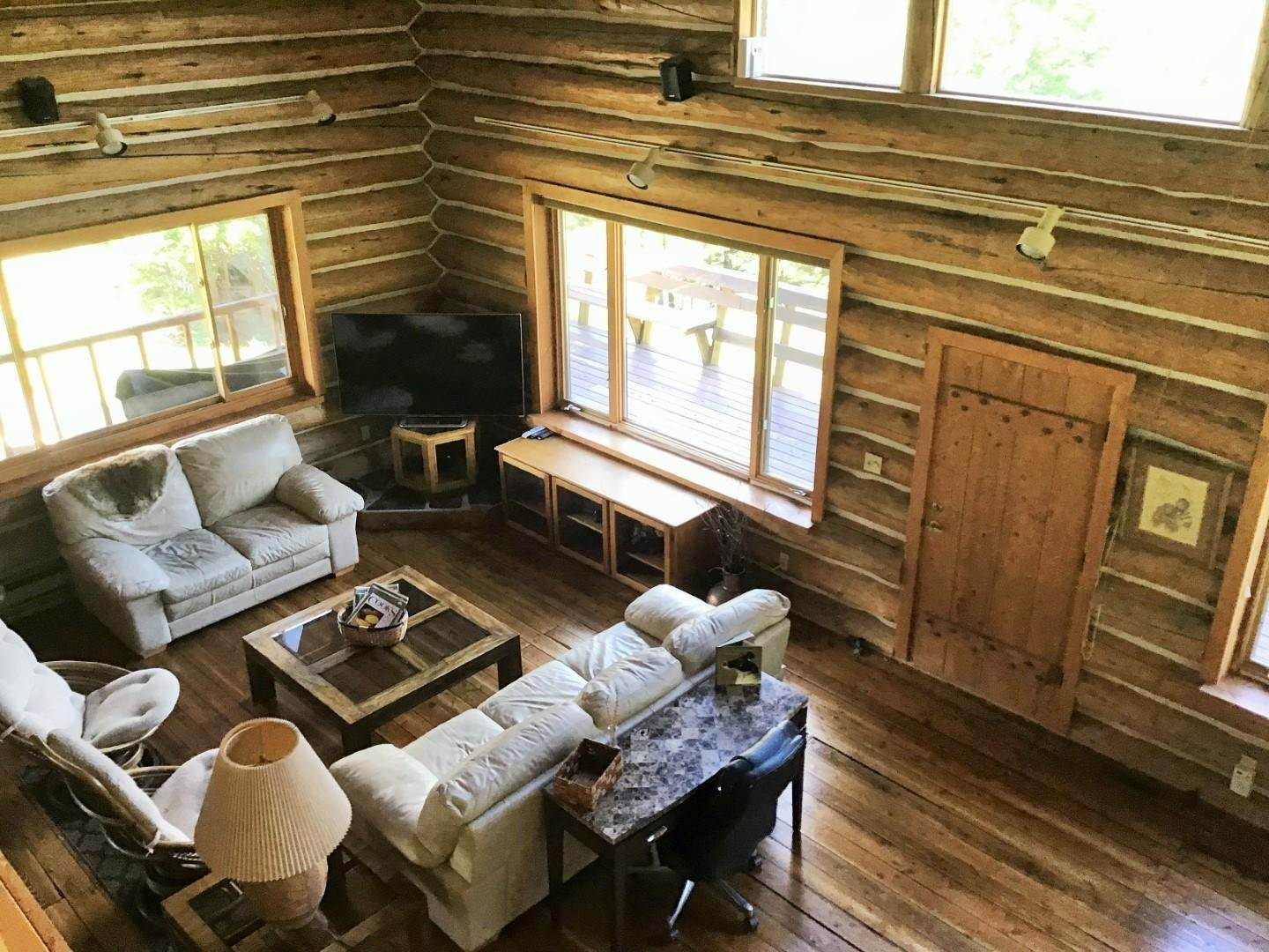 14. Single Family Homes for Sale at 1622 Upper Rock Creek Road Philipsburg, Montana 59858 United States