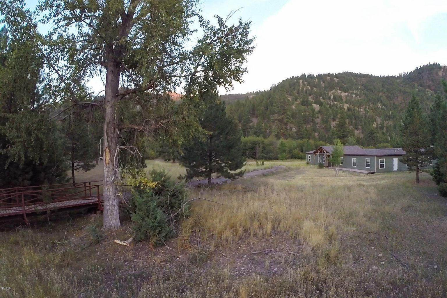 6. Single Family Homes for Sale at 12500 Cramer Creek Road Clinton, Montana 59825 United States