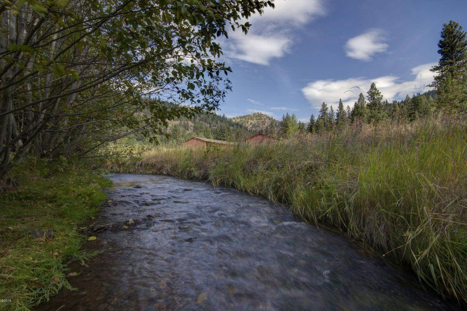 7. Single Family Homes for Sale at 12500 Cramer Creek Road Clinton, Montana 59825 United States