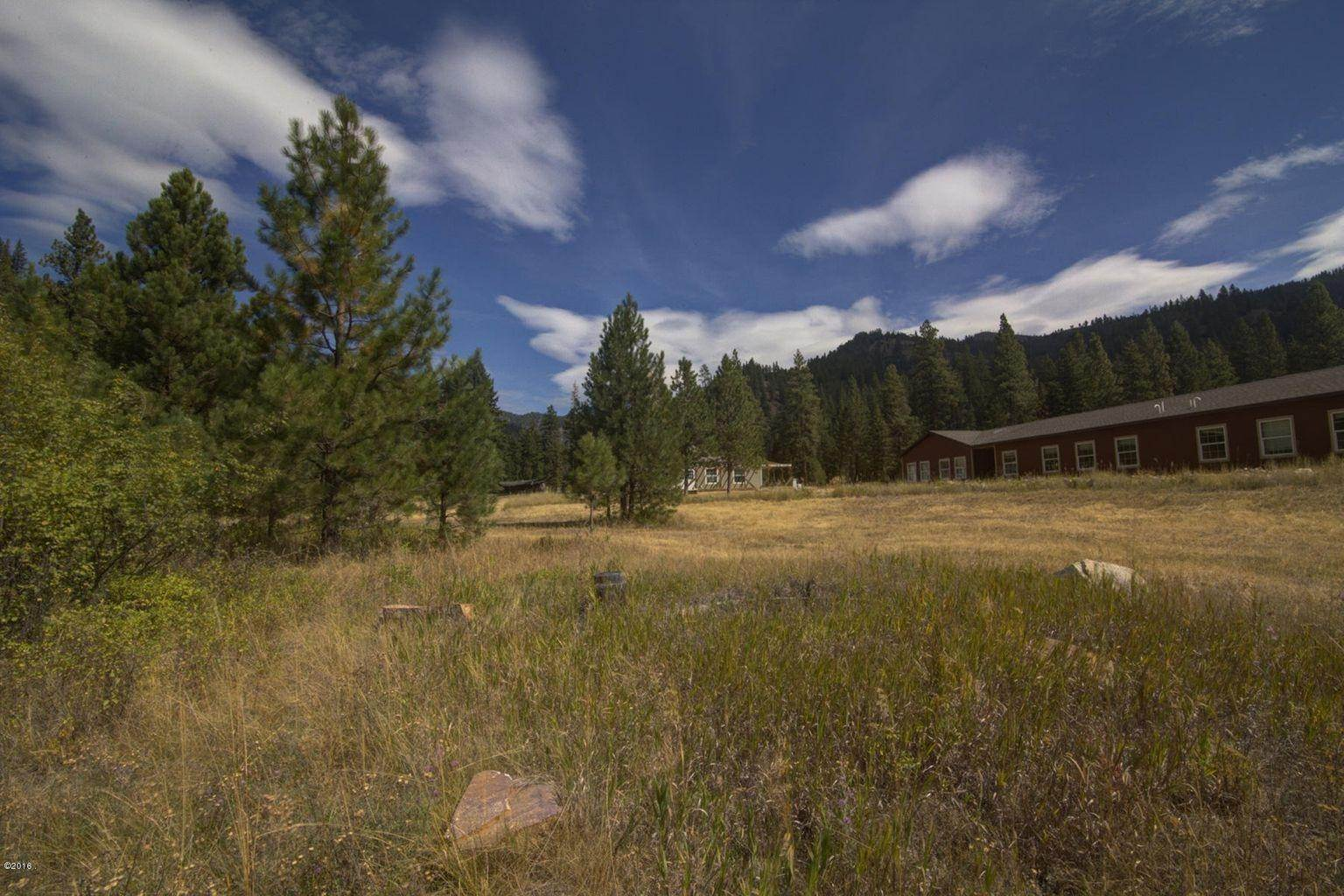 14. Single Family Homes for Sale at 12500 Cramer Creek Road Clinton, Montana 59825 United States