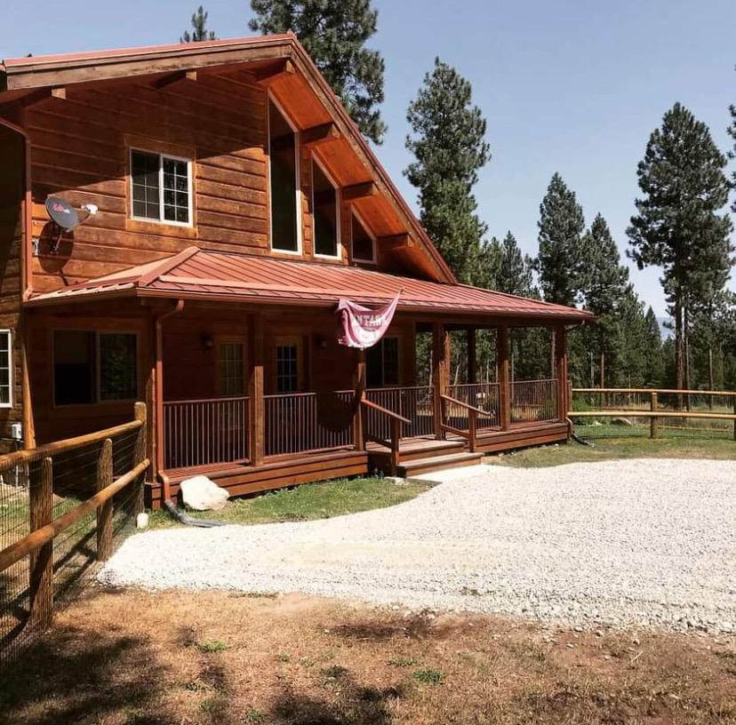 Single Family Homes for Sale at 220 Forest Park Way Victor, Montana 59875 United States
