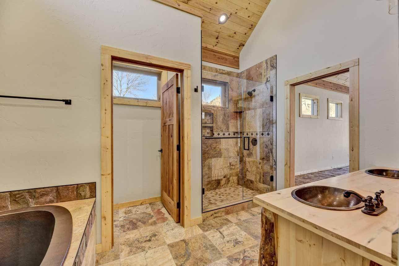 19. Single Family Homes for Sale at 41 Meadow Lane Cascade, Montana 59421 United States