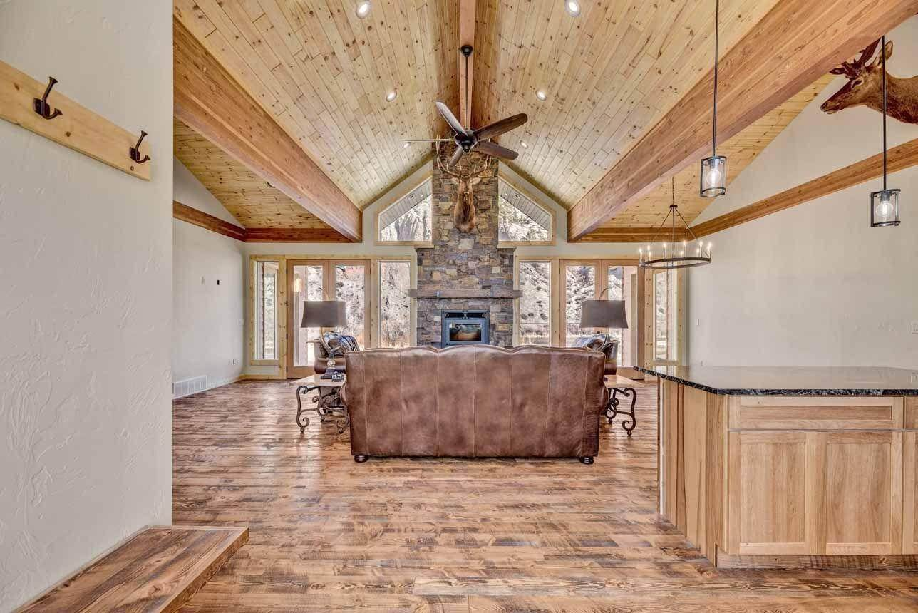 6. Single Family Homes for Sale at 41 Meadow Lane Cascade, Montana 59421 United States