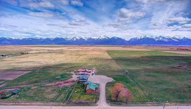 5. Single Family Homes for Sale at 51682 Crow Dam Road Ronan, Montana 59864 United States