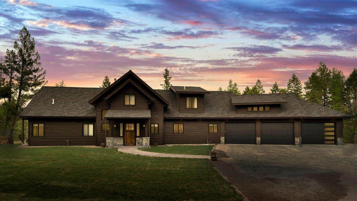 Single Family Homes for Sale at 995 Boon Road Somers, Montana 59932 United States