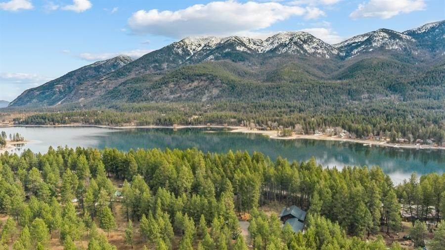 34. Single Family Homes for Sale at 240 Lake Blaine Drive Kalispell, Montana 59901 United States
