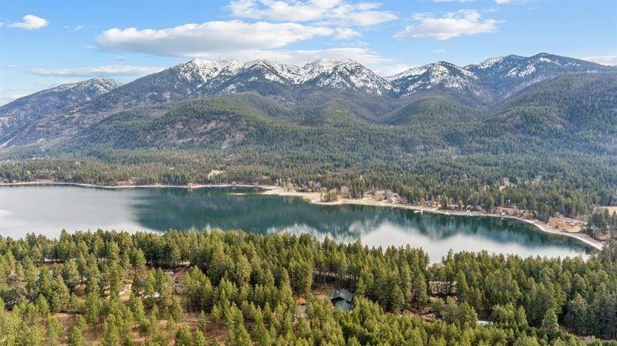 31. Single Family Homes for Sale at 240 Lake Blaine Drive Kalispell, Montana 59901 United States