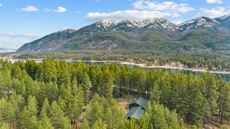 35. Single Family Homes for Sale at 240 Lake Blaine Drive Kalispell, Montana 59901 United States