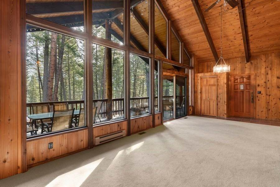 7. Single Family Homes for Sale at 240 Lake Blaine Drive Kalispell, Montana 59901 United States