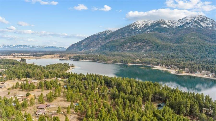 30. Single Family Homes for Sale at 240 Lake Blaine Drive Kalispell, Montana 59901 United States