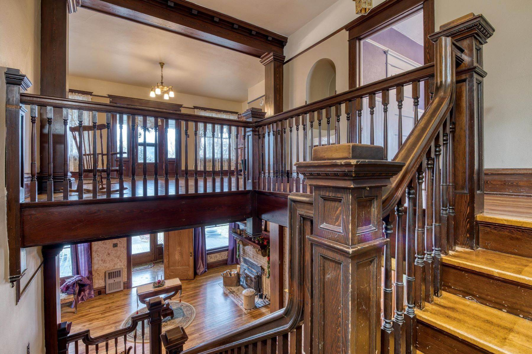 24. Single Family Homes for Sale at Historic Bass Mansion 100 College Street Stevensville, Montana 59870 United States