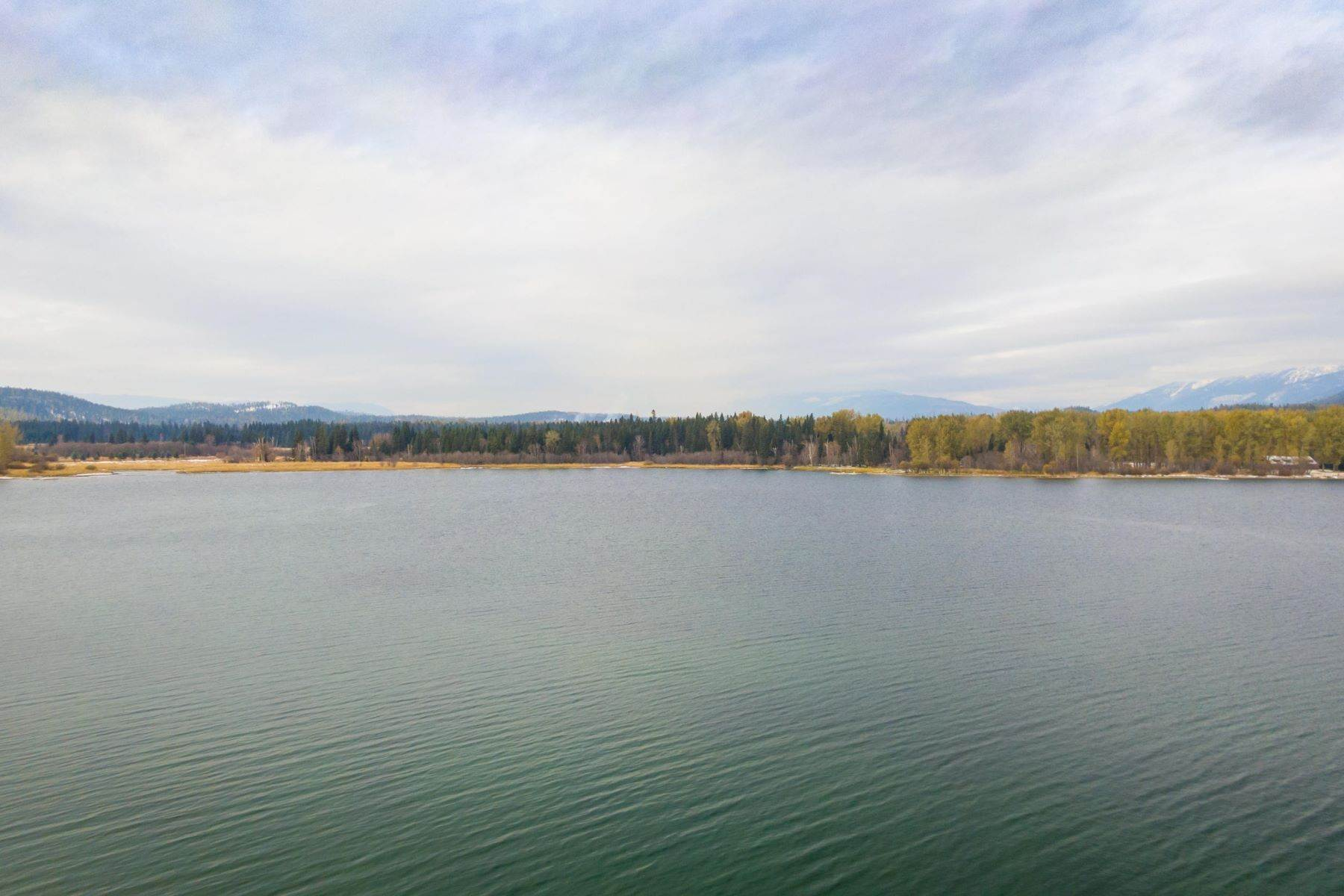 14. Single Family Homes for Sale at Whitefish Lake Frontage 737 Delrey Road Whitefish, Montana 59937 United States
