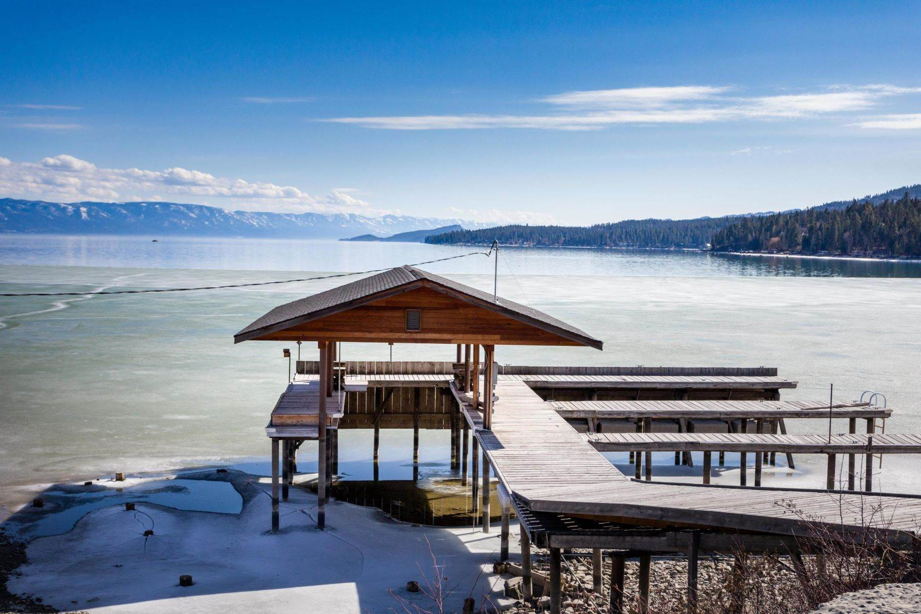 38. Single Family Homes for Sale at Flathead Lake Living 5505 Us Hwy 93 Somers, Montana 59932 United States