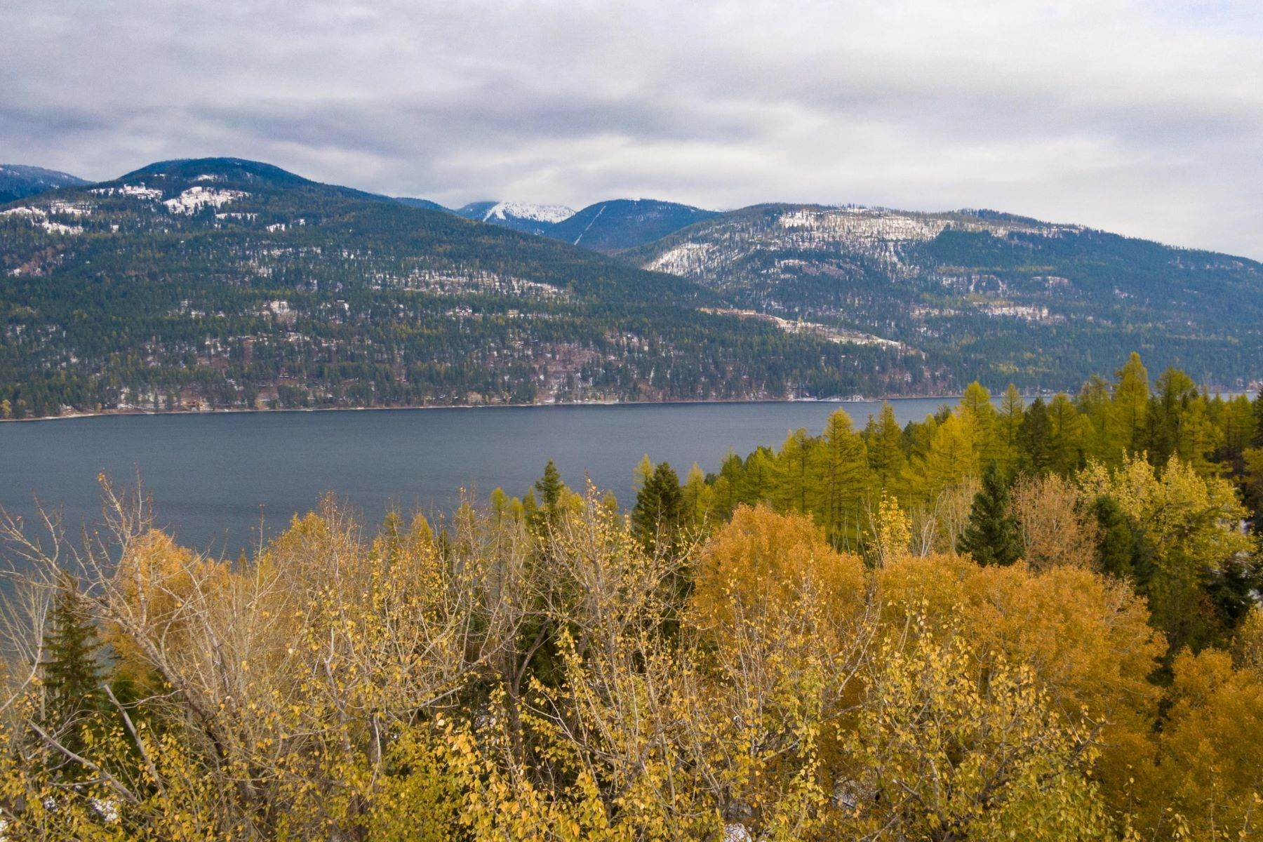 7. Single Family Homes for Sale at Whitefish Lake Frontage 737 Delrey Road Whitefish, Montana 59937 United States