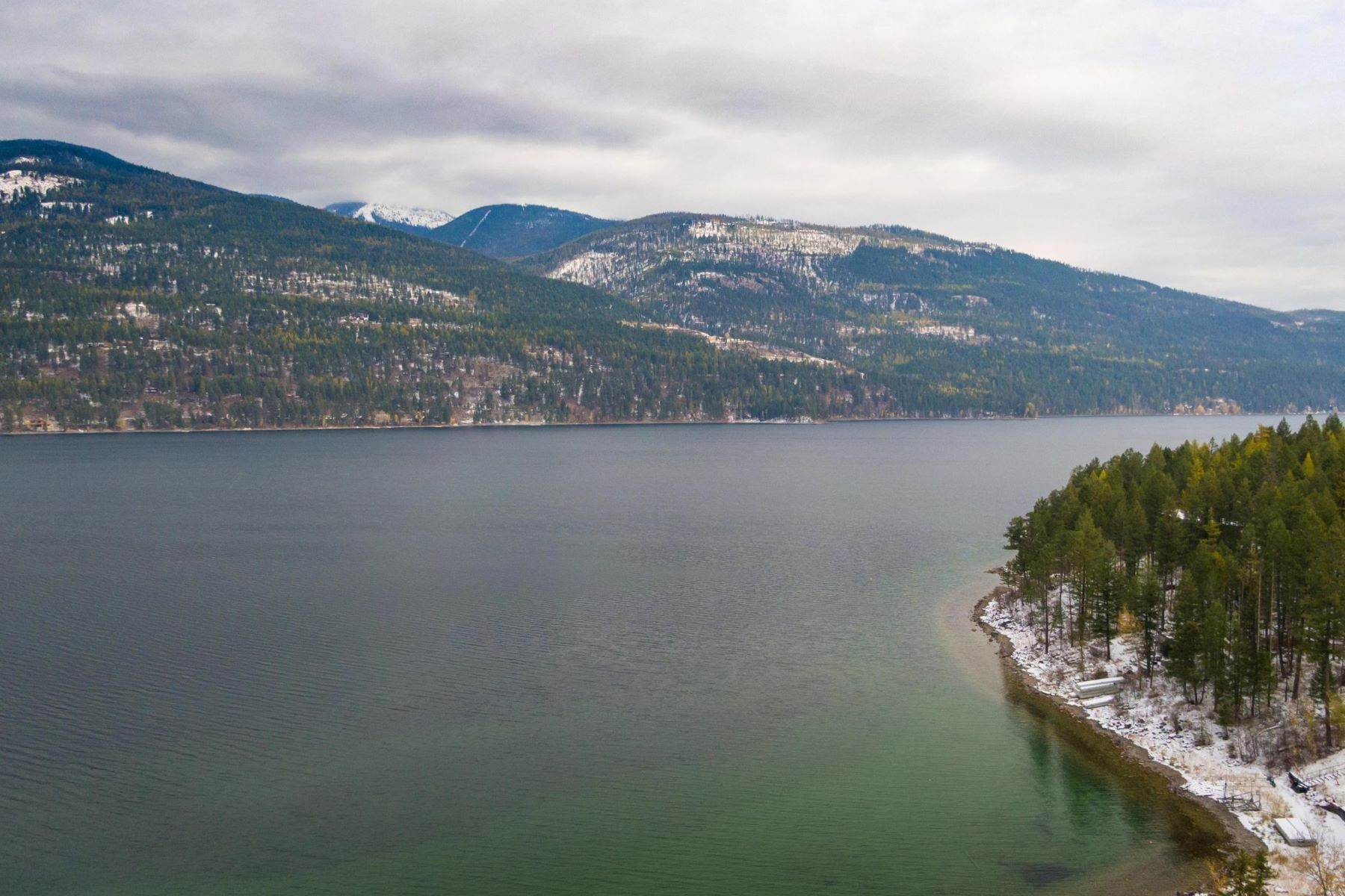 8. Single Family Homes for Sale at Whitefish Lake Frontage 737 Delrey Road Whitefish, Montana 59937 United States