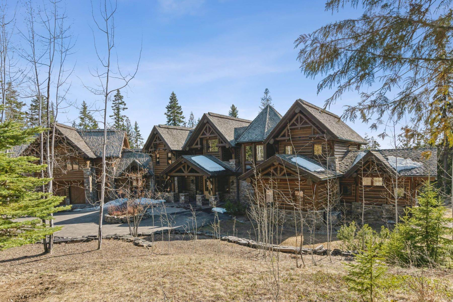 32. Single Family Homes for Sale at Magnificent Mountain Architecture 105 Huckleberry Lane Whitefish, Montana 59937 United States