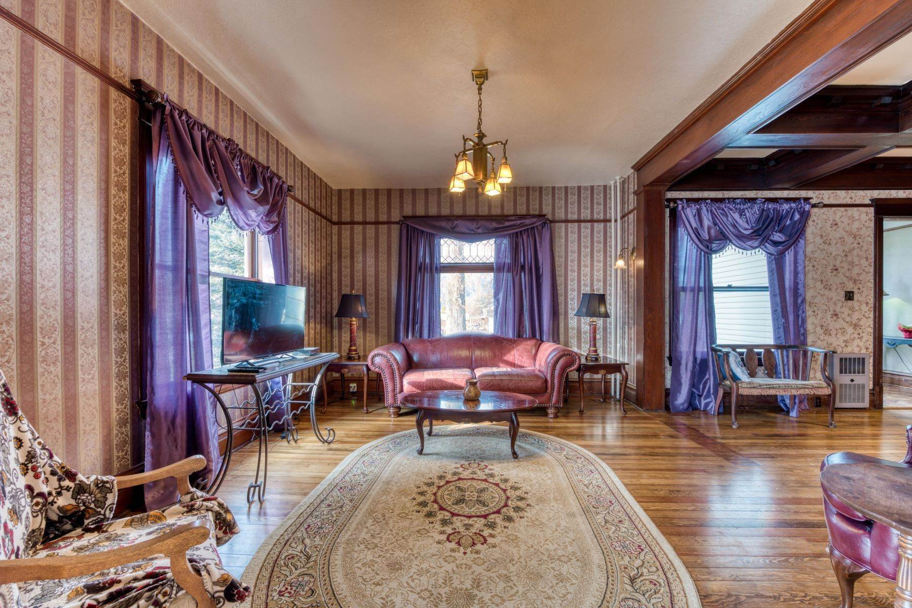 10. Single Family Homes for Sale at Historic Bass Mansion 100 College Street Stevensville, Montana 59870 United States