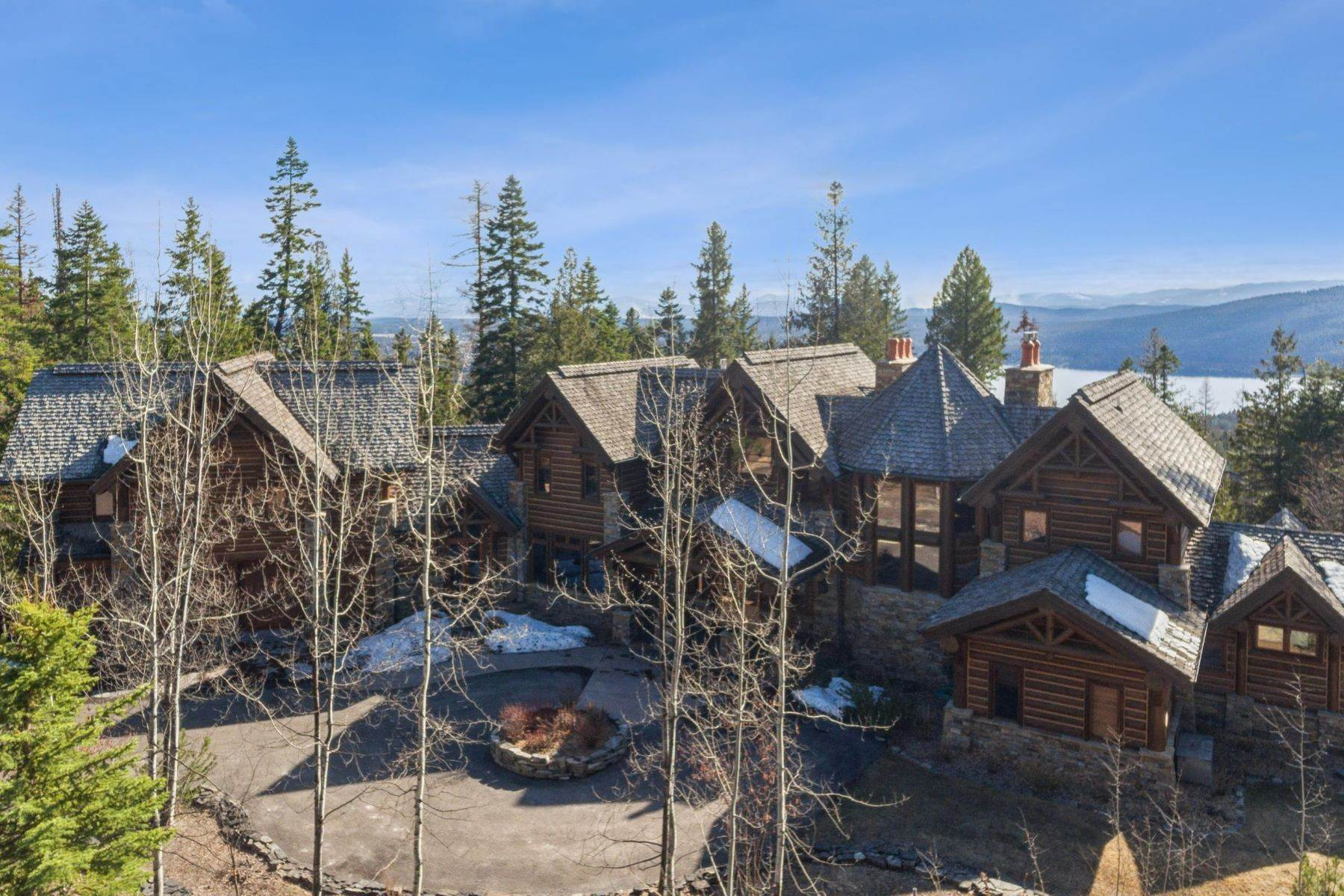 29. Single Family Homes for Sale at Magnificent Mountain Architecture 105 Huckleberry Lane Whitefish, Montana 59937 United States