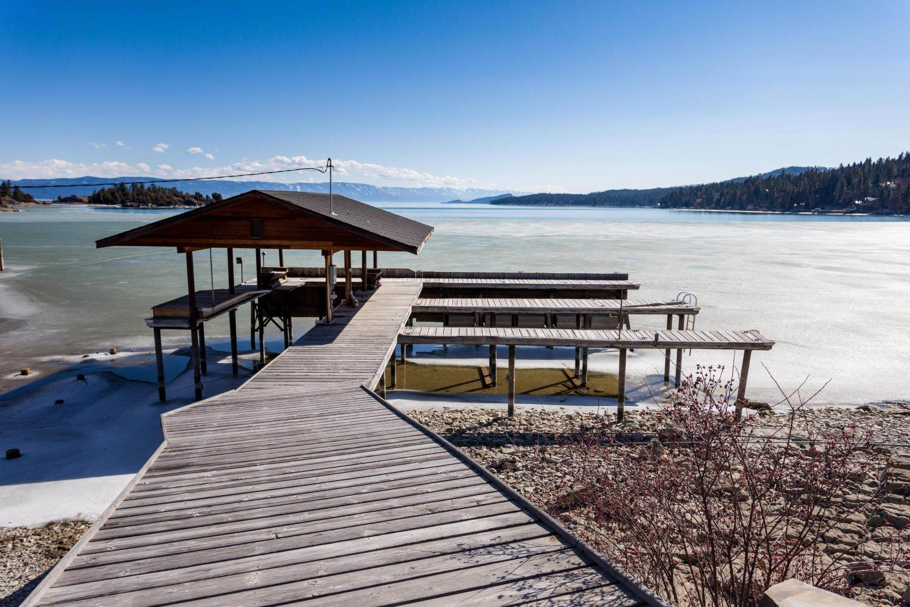 39. Single Family Homes for Sale at Flathead Lake Living 5505 Us Hwy 93 Somers, Montana 59932 United States