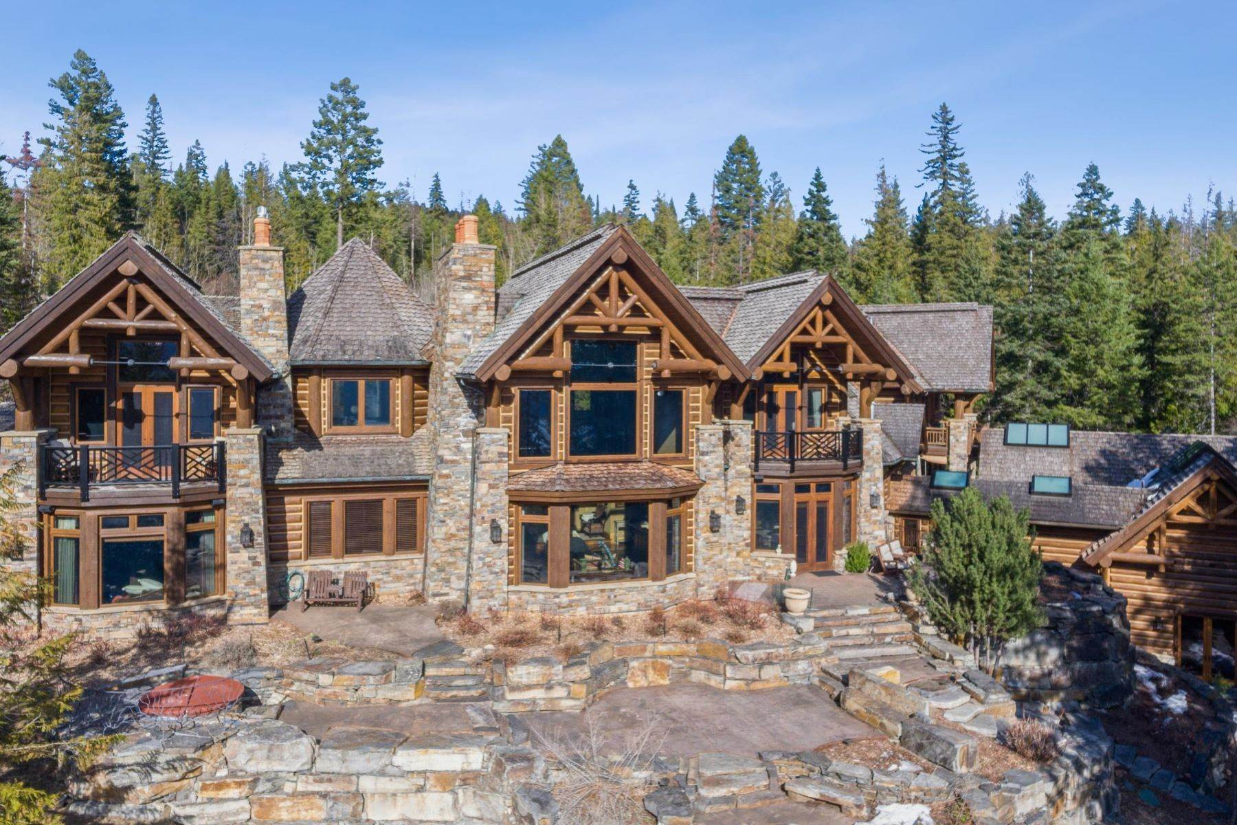 28. Single Family Homes for Sale at Magnificent Mountain Architecture 105 Huckleberry Lane Whitefish, Montana 59937 United States