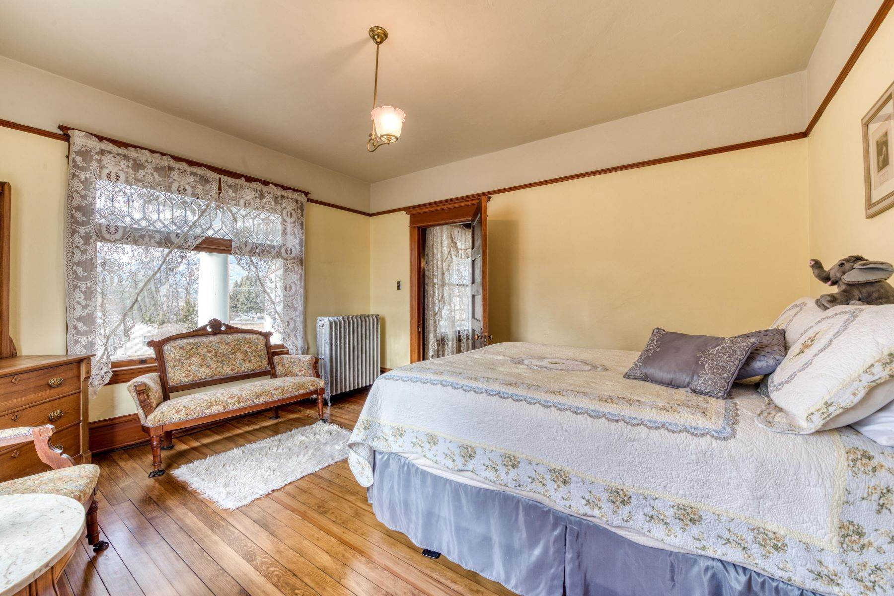 35. Single Family Homes for Sale at Historic Bass Mansion 100 College Street Stevensville, Montana 59870 United States