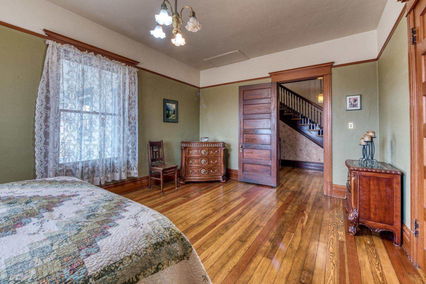 18. Single Family Homes for Sale at Historic Bass Mansion 100 College Street Stevensville, Montana 59870 United States