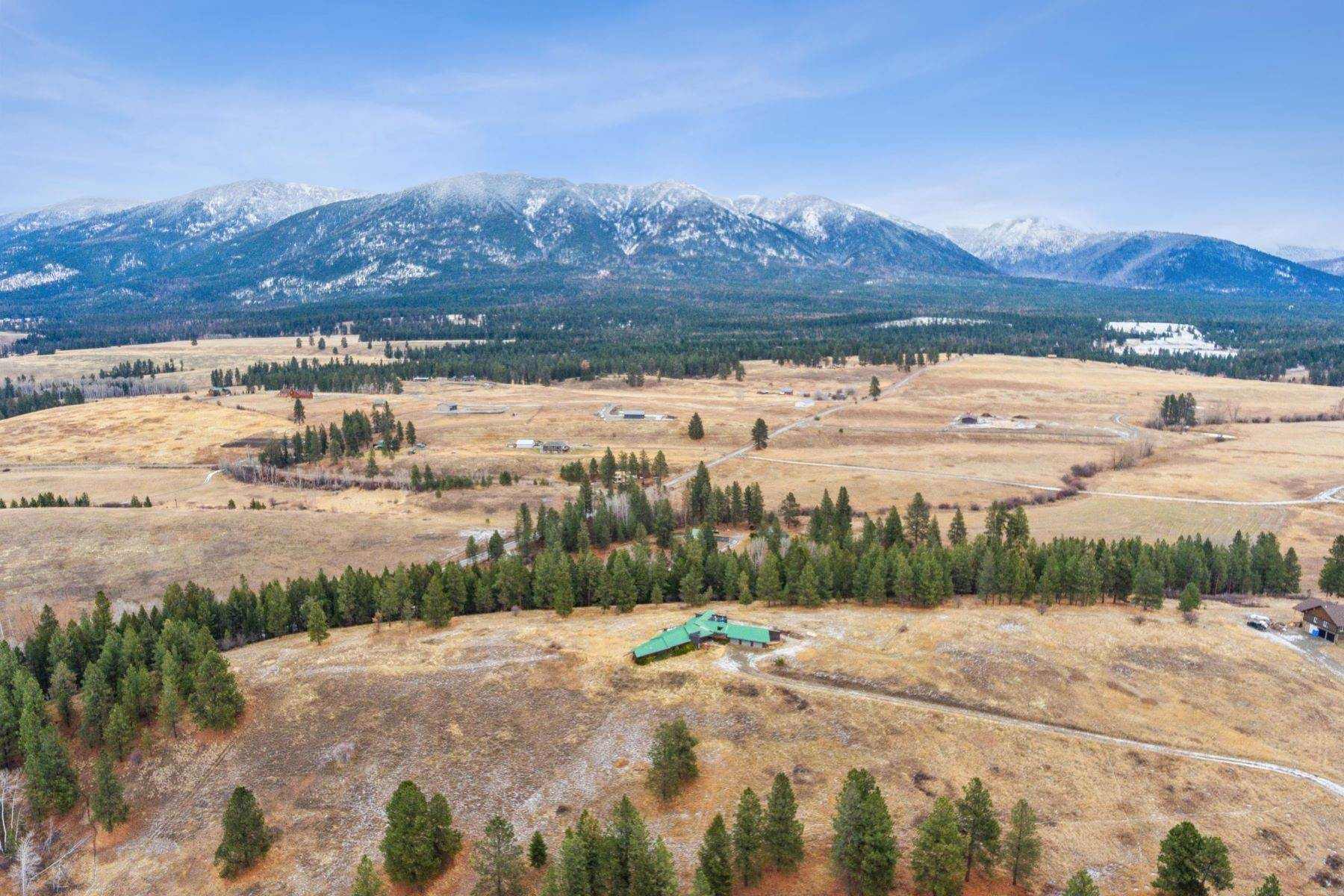 4. Single Family Homes for Sale at 225 Game Trail Eureka, Montana 59917 United States