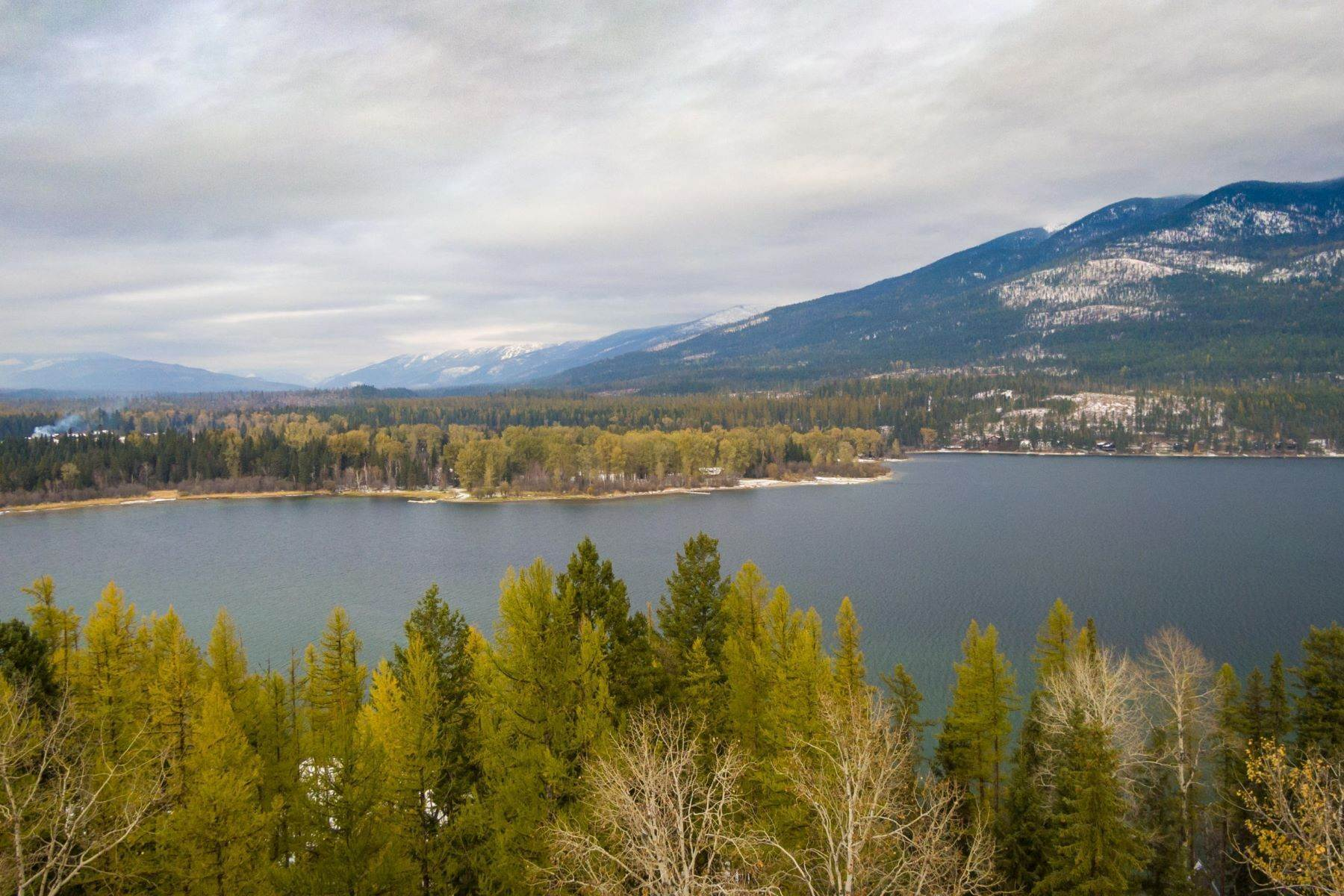 6. Single Family Homes for Sale at Whitefish Lake Frontage 737 Delrey Road Whitefish, Montana 59937 United States