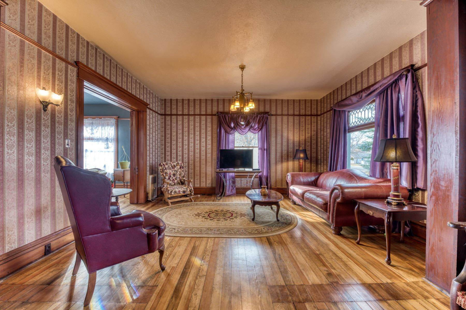 9. Single Family Homes for Sale at Historic Bass Mansion 100 College Street Stevensville, Montana 59870 United States