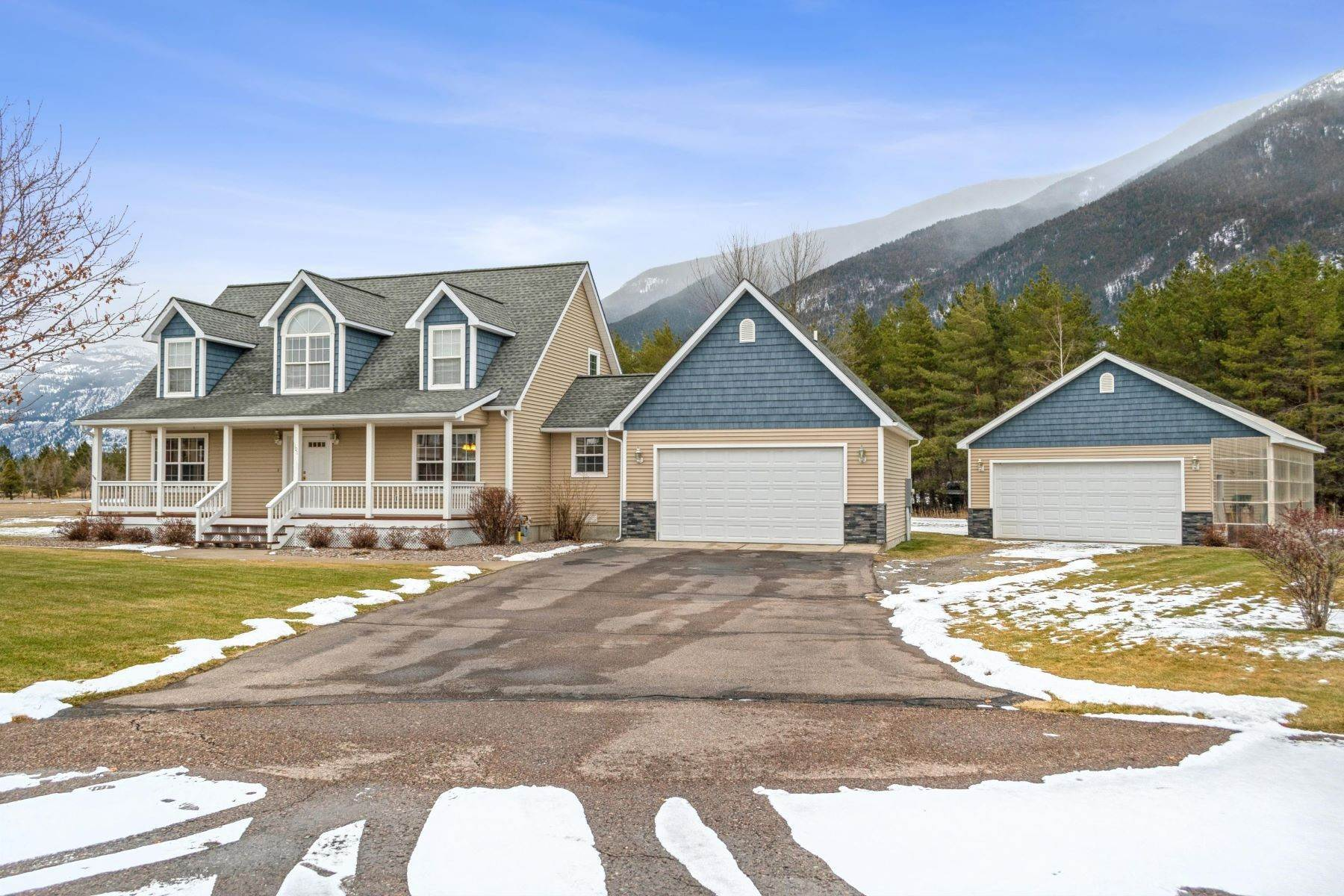 Property for Sale at Spacious Family Home with Mountain Views 101 Eastway Drive Columbia Falls, Montana 59912 United States