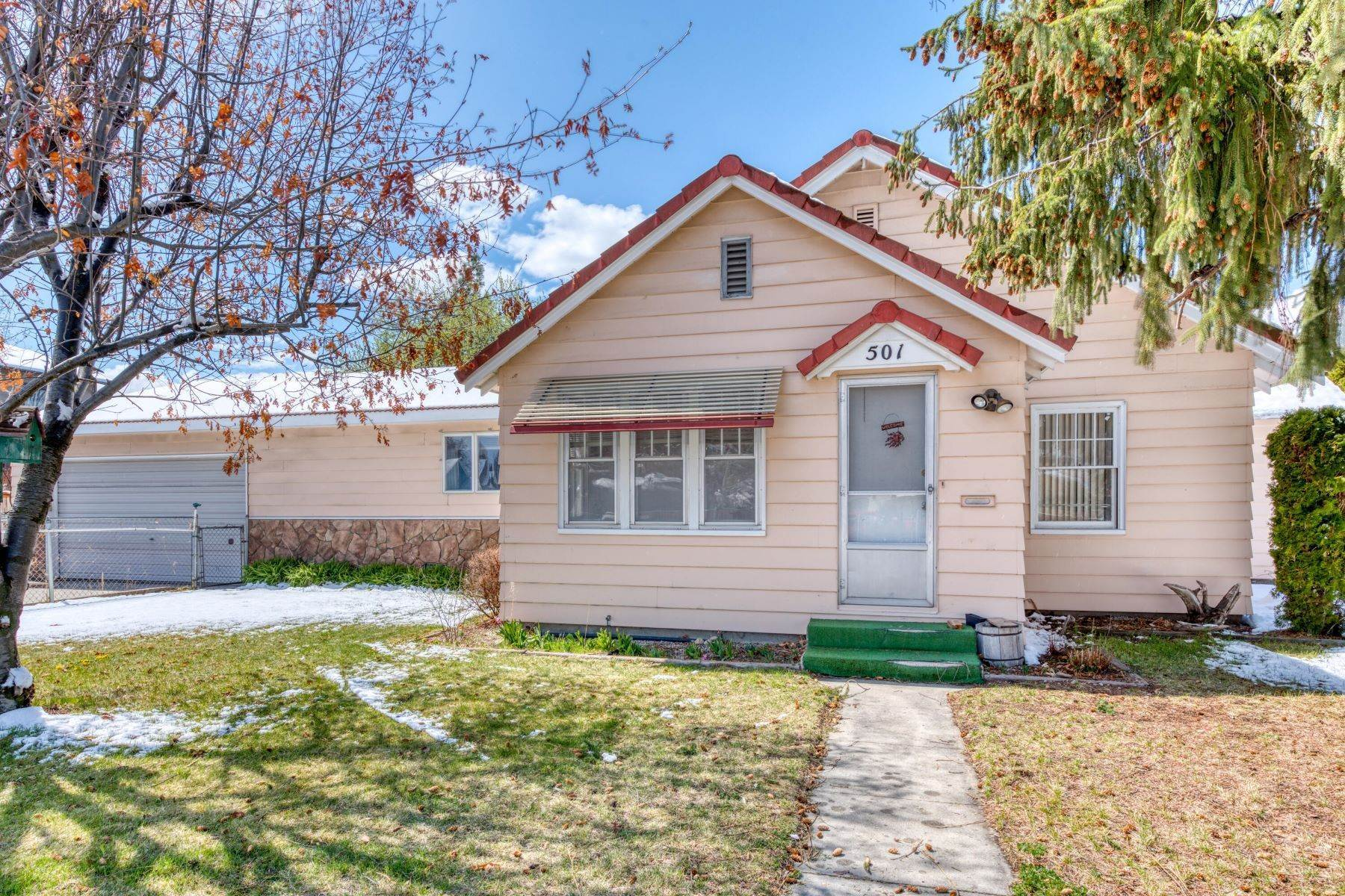 Single Family Homes for Sale at Great Location in Hamilton 501 South 8th Street Hamilton, Montana 59840 United States