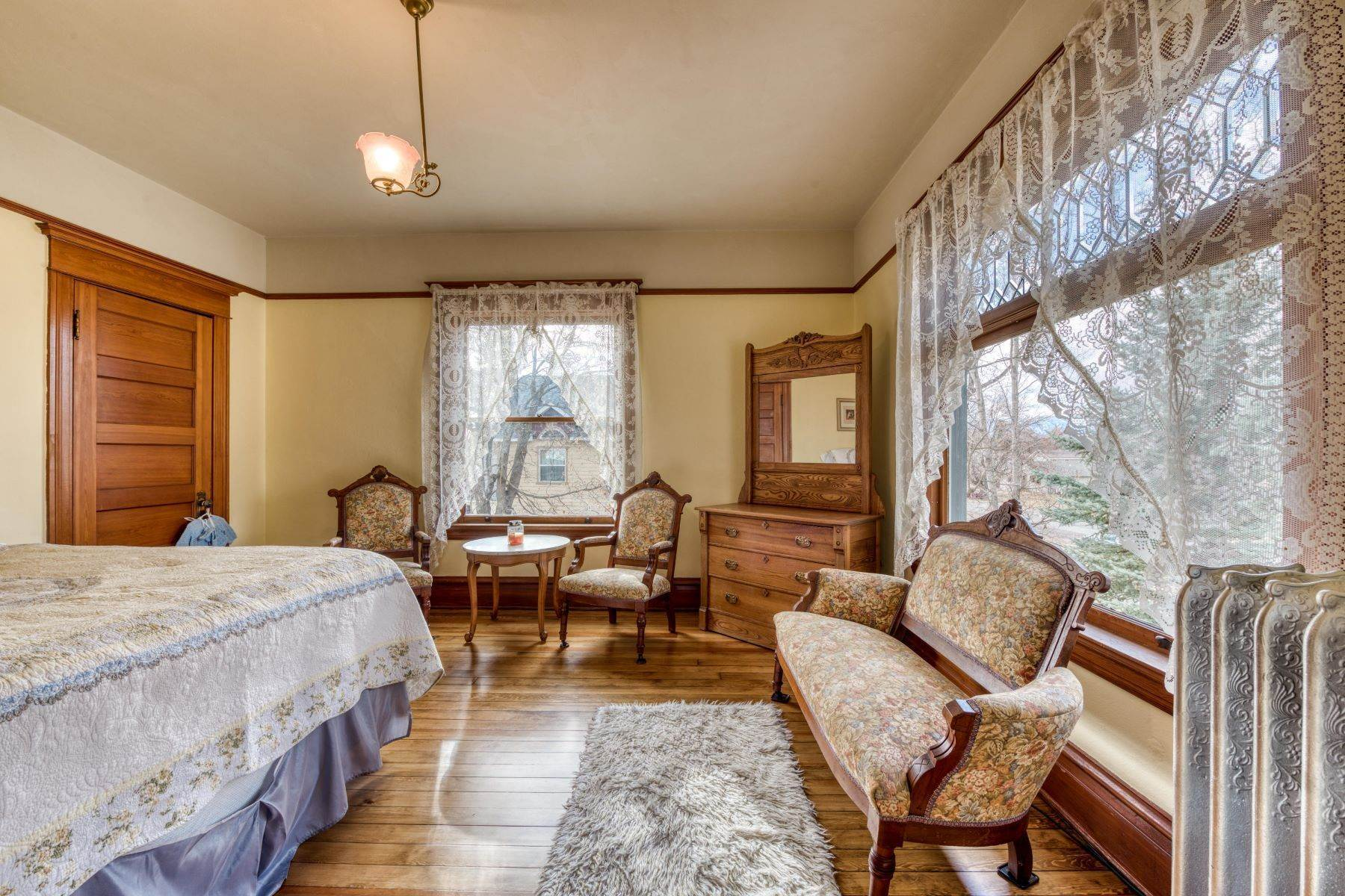 34. Single Family Homes for Sale at Historic Bass Mansion 100 College Street Stevensville, Montana 59870 United States
