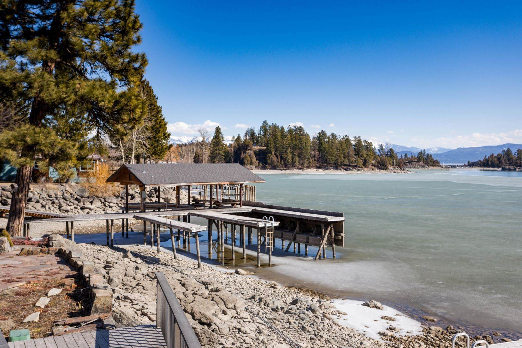 35. Single Family Homes for Sale at Flathead Lake Living 5505 Us Hwy 93 Somers, Montana 59932 United States
