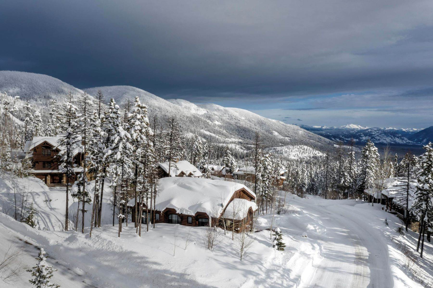 Single Family Homes for Sale at Ski-in/Ski-out View Home 194 Ridge Run Drive Whitefish, Montana 59937 United States