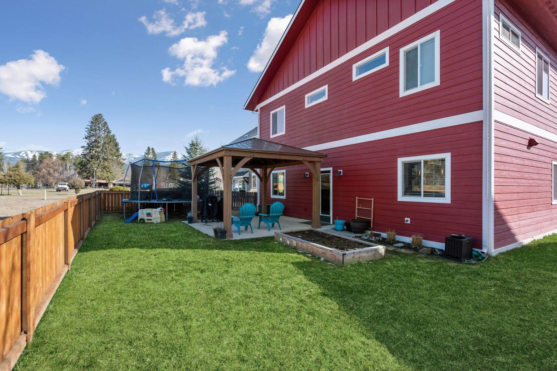 24. Single Family Homes for Sale at 724 Aspen Grove Street Whitefish, Montana 59937 United States